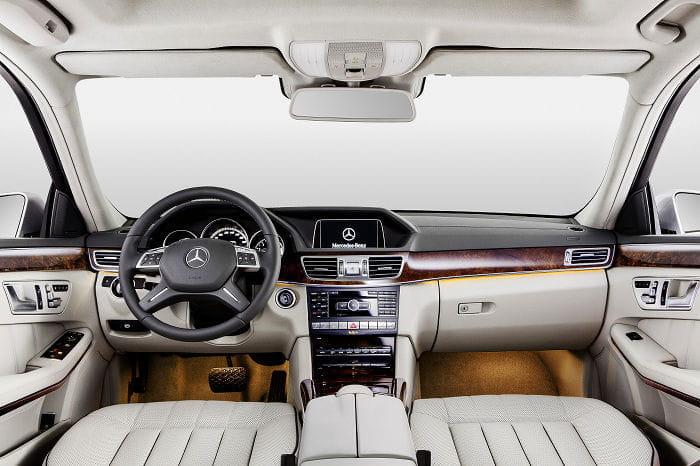 Mercedes Clase E: en Shanghái se estrena con una alternativa de batalla extendida