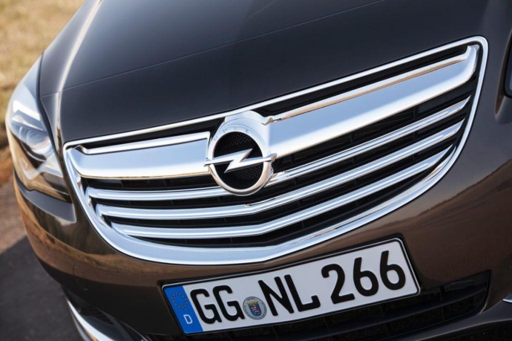 Opel Insignia 2013: más moderno, estética y tecnológicame