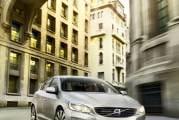 Volvo_S60_2014_1280px-008