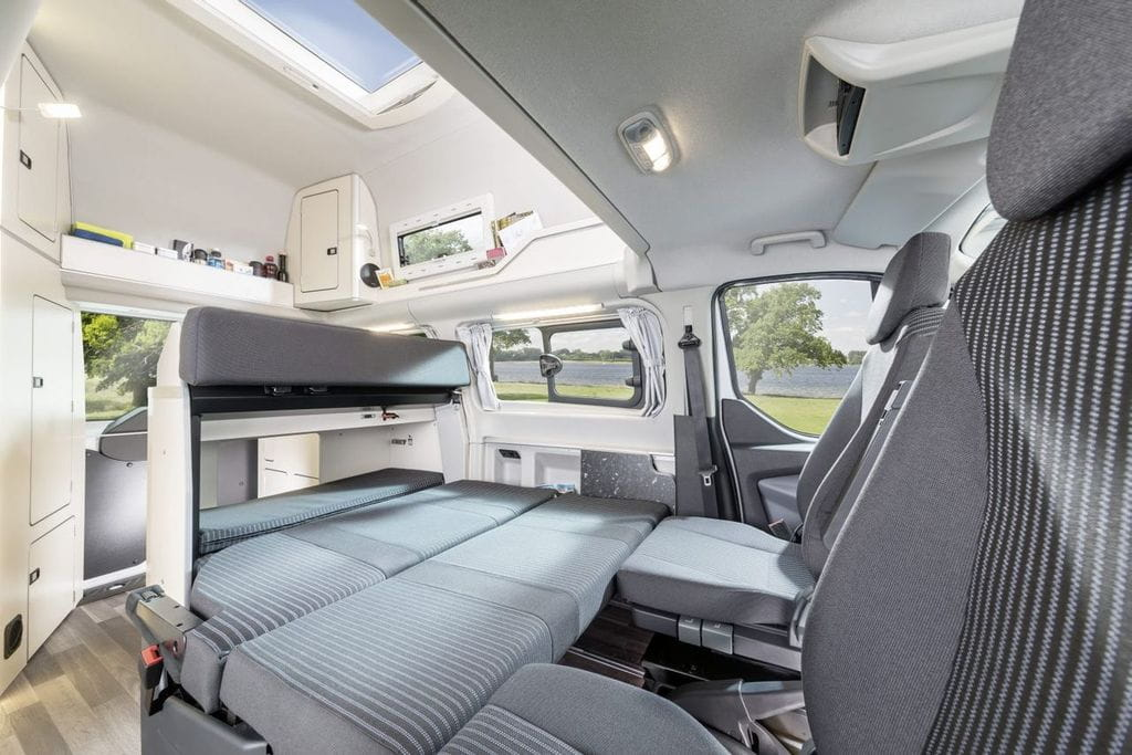 ford westfalia nugget 12 foto 12 de 22. Black Bedroom Furniture Sets. Home Design Ideas