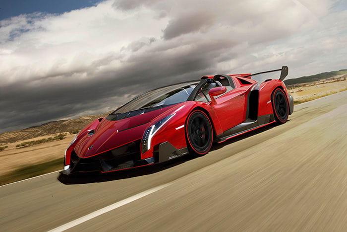 Lamborghini Veneno Roadster. Lamborghini recibe a su último astado a <em>porta gayola</em> y fabricará nueve unidades