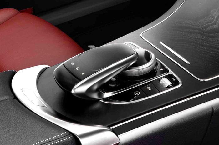 Mercedes Clase C: primeras imágenes oficiales del interior de la nueva generación