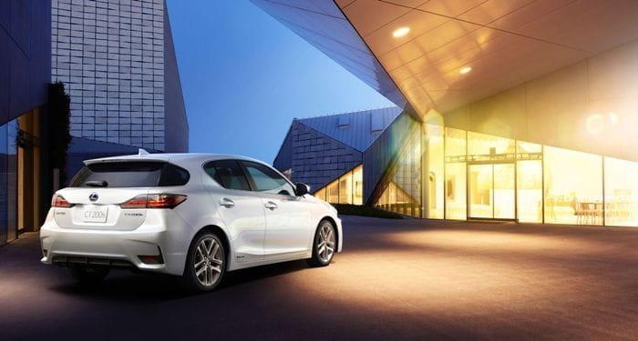 Lexus CT 200h, aires de familia para el renovado compacto híbrido