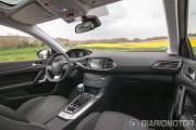 Peugeot_308_SW_Interior_1280-007