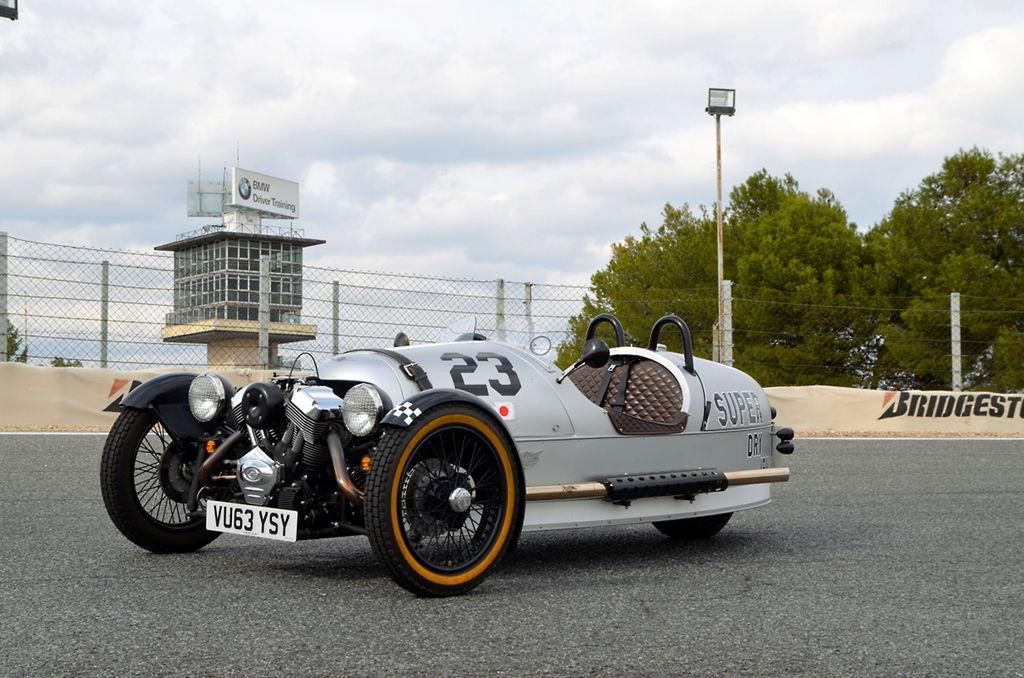 Morgan 3 Wheeler a prueba: irreverencia británica sobre 3 ruedas