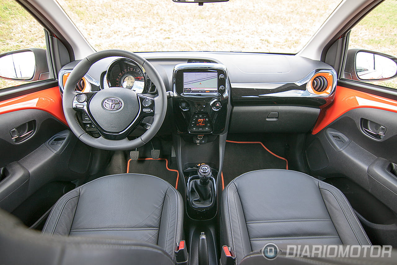 Foto 4 de 53 toma de contacto con el nuevo toyota aygo movilidad esencial japonesa diariomotor - Toyota aygo interior ...