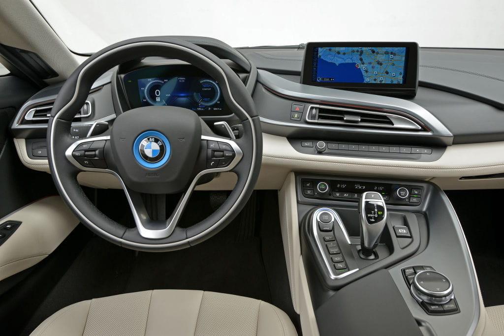BMW_i8_AP_1024_DM_33_interior_2.jpg