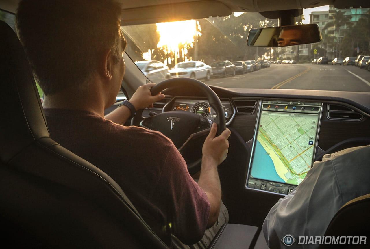 Probando un Tesla Model S en Santa Mónica, California