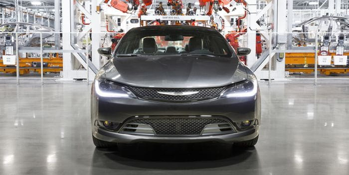 Tour virtual de la fábrica del Chrysler 200 con Google Maps