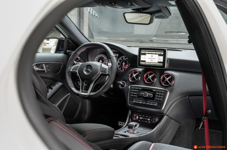 Interior Mercedes A45 AMG