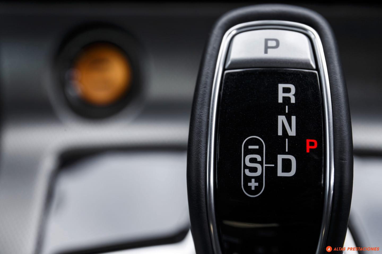 Cambio de marchas Jaguar F-Type R Coupé