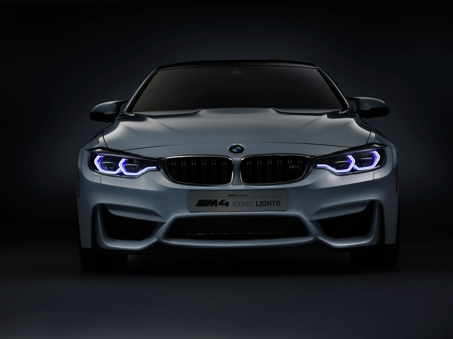 BMW_M4_Concept_Iconic_Lights_18