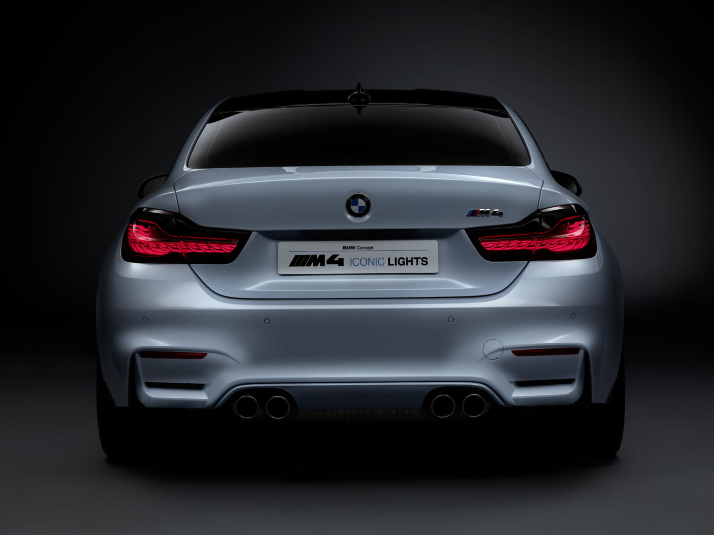 BMW_M4_Concept_Iconic_Lights_8