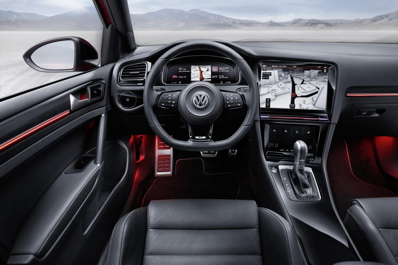 Volkswagen_golf_r_touch_9