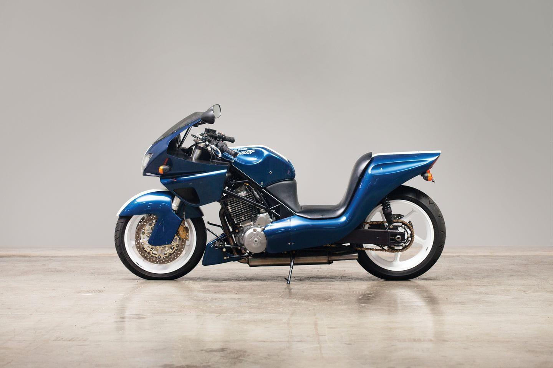 AAR Aligator: la moto inspirada en la competición automovilística