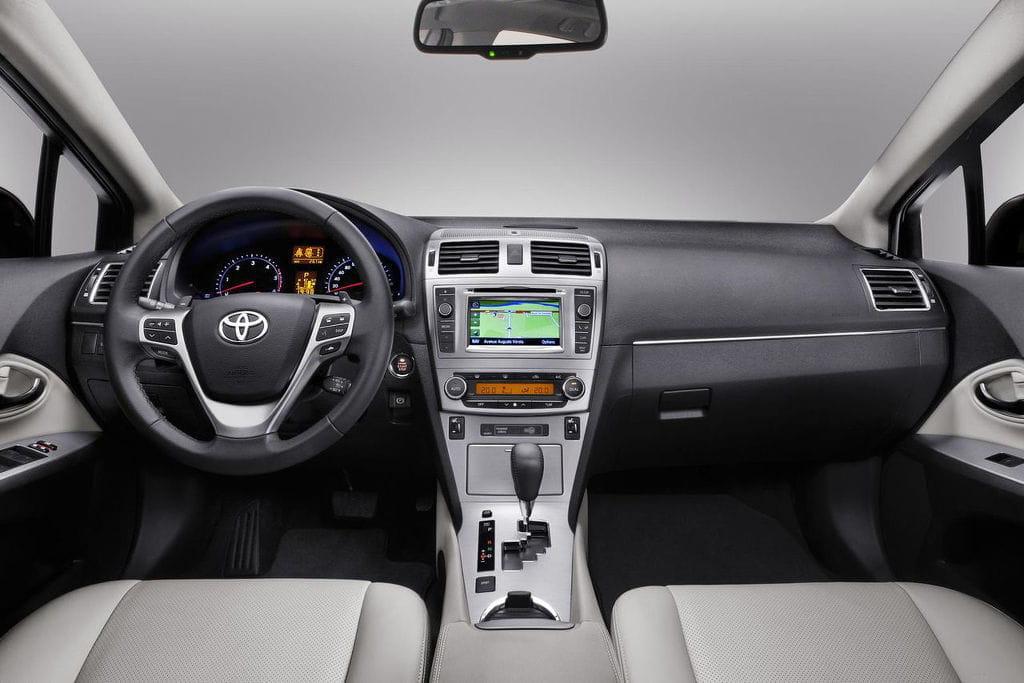 Más de 7.000 euros de descuento en la compra de un Toyota Avensis