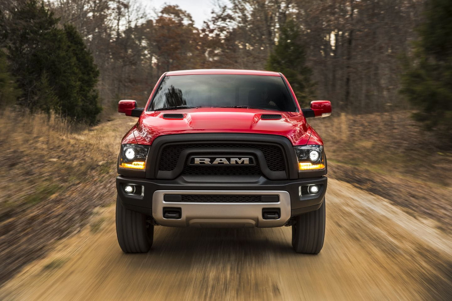ram rebel 2016 una pick up off road de altos vuelos diariomotor. Black Bedroom Furniture Sets. Home Design Ideas