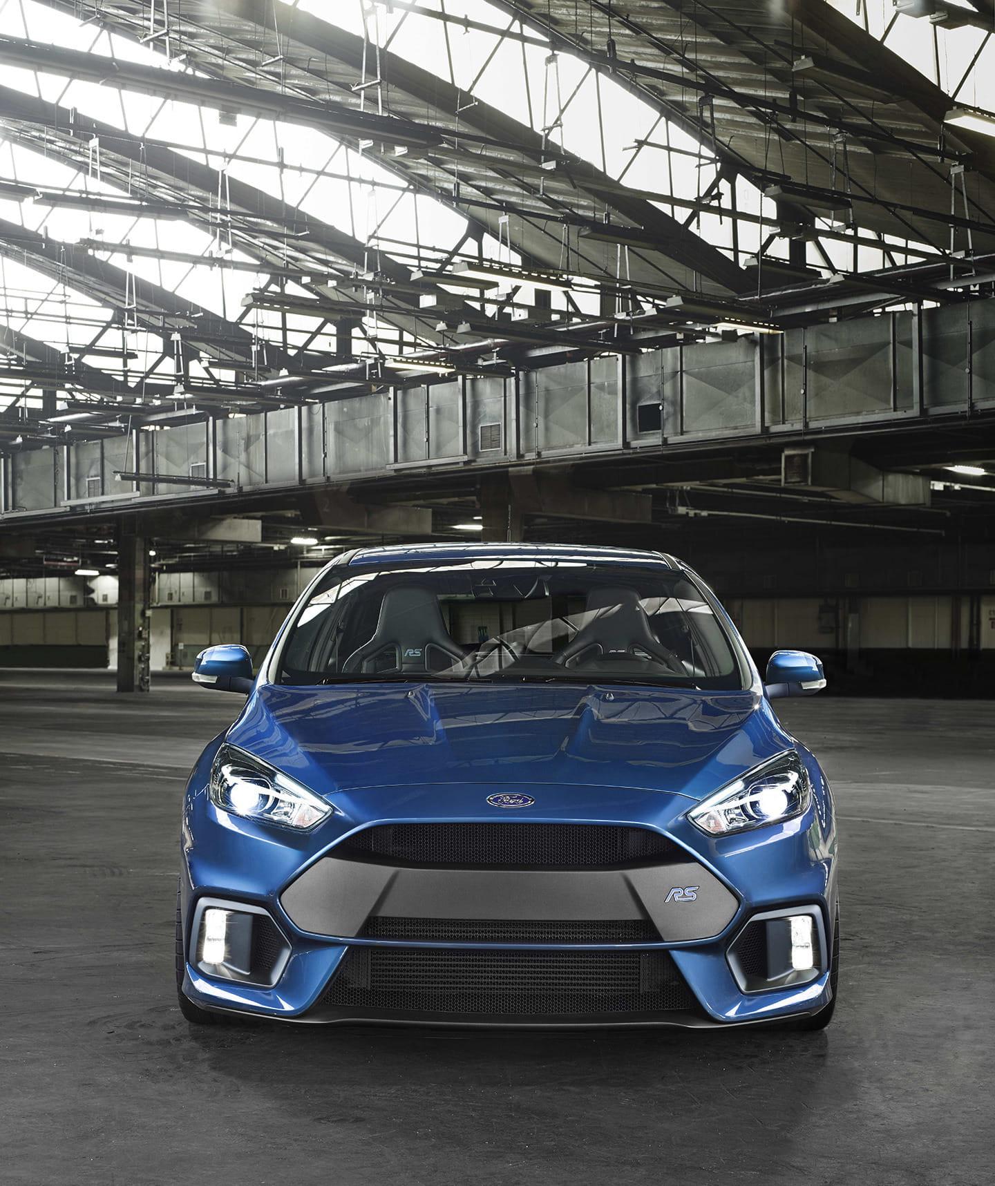 Nuevo Ford Focus RS 2015 (320 CV): la nueva referencia del compacto deportivo. Y sí, tiene tracción total Ford-focus-rs-2015-02