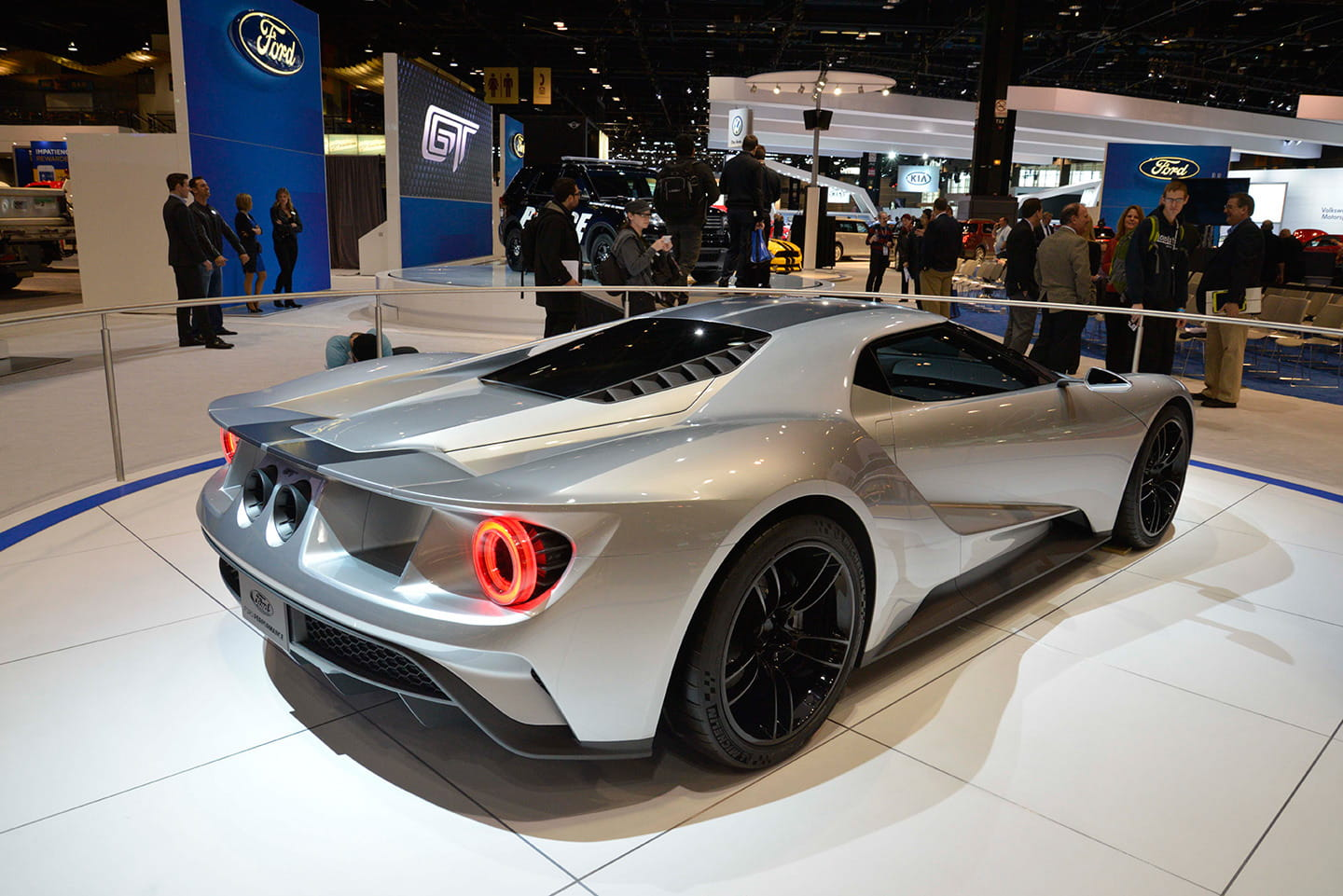 2016 - [Ford] GT  - Page 2 Ford-gt-2016-gris-directo-chicago-04-1440px