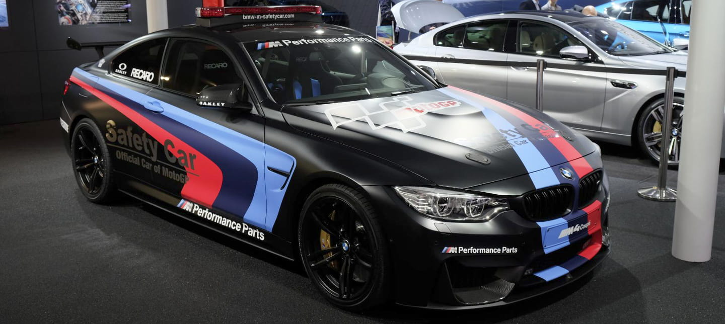 BMW M4 Coupé Safety Car: antes de empezar la temporada de Moto GP ha pasado por Ginebra