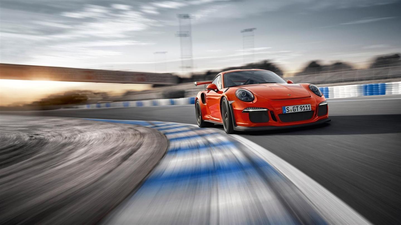 Porsche_911_GT3_RS_galeria_DM_21