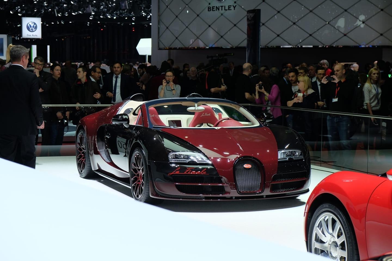 el bugatti veyron la finale impone en directo desde ginebra diariomotor. Black Bedroom Furniture Sets. Home Design Ideas