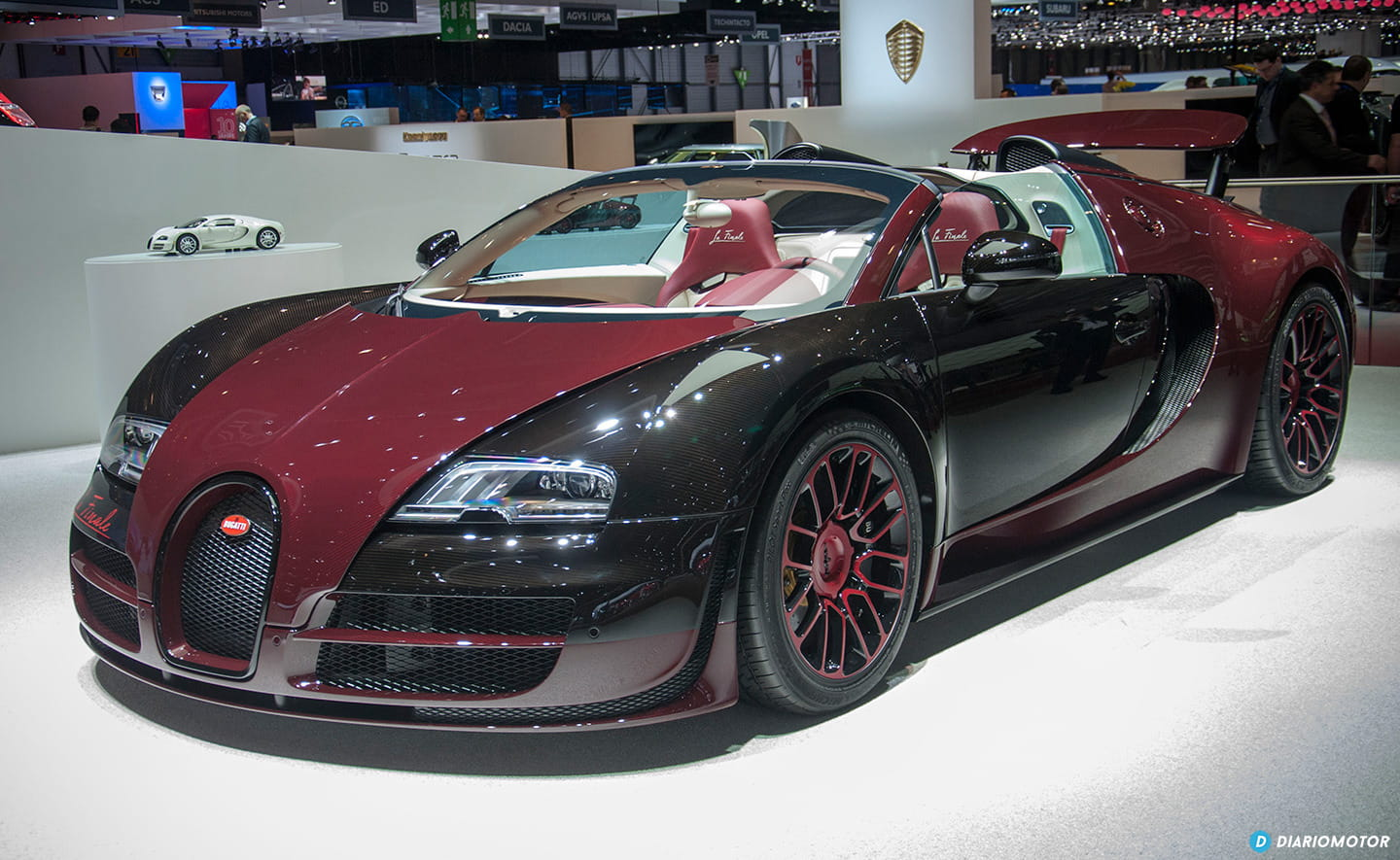 a solas foto a foto con el ltimo bugatti veyron de la historia la finale. Black Bedroom Furniture Sets. Home Design Ideas