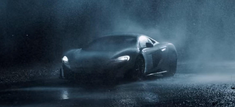 """El McLaren 675 LT se presenta con un vídeo """"slow-motion"""": el mejor anuncio que vas a ver hoy"""