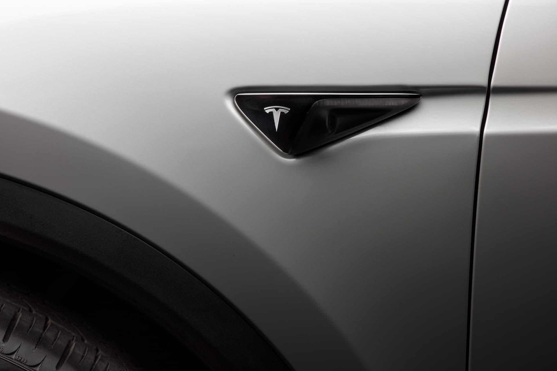 Tesla Model X 28