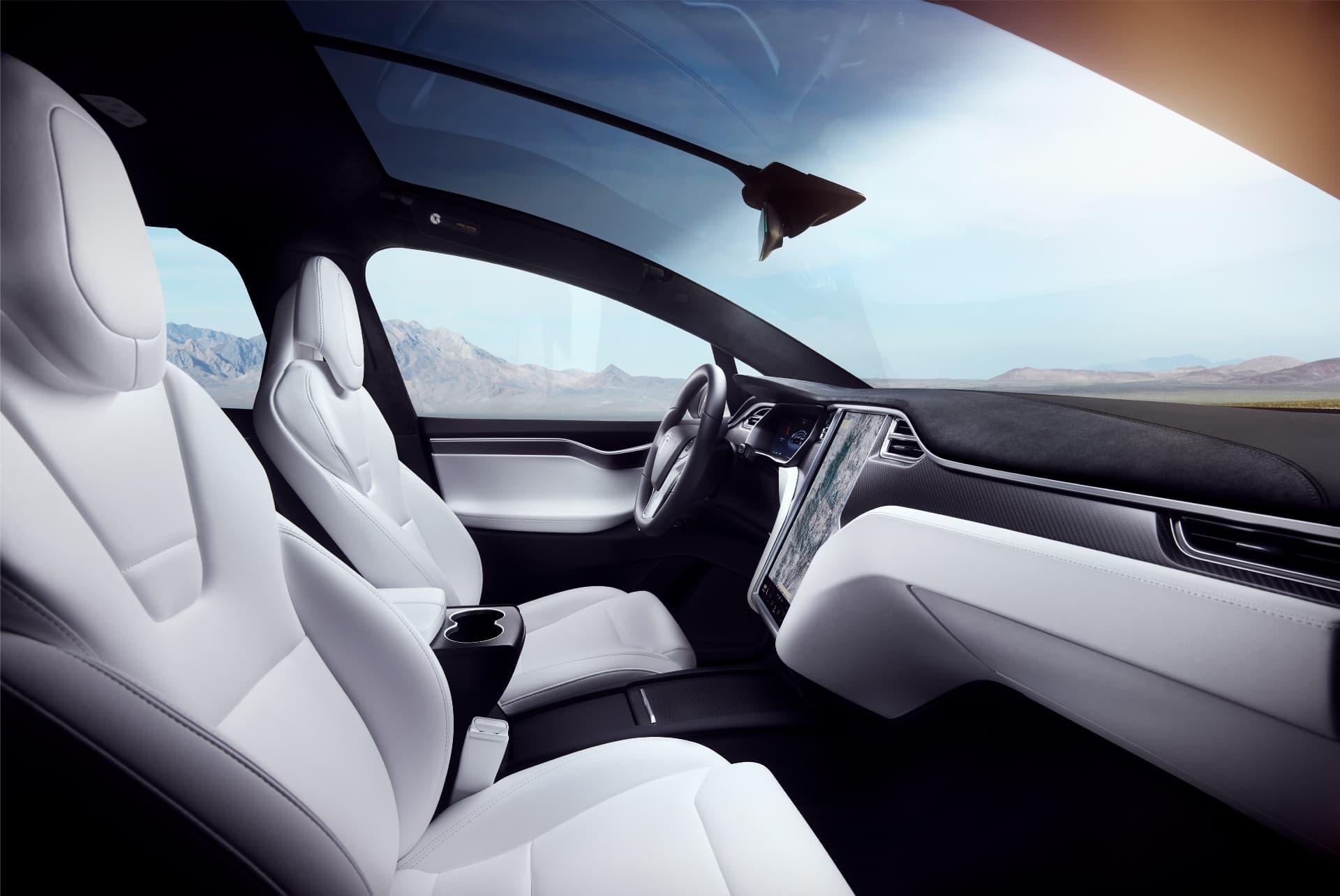 Tesla Model X 32