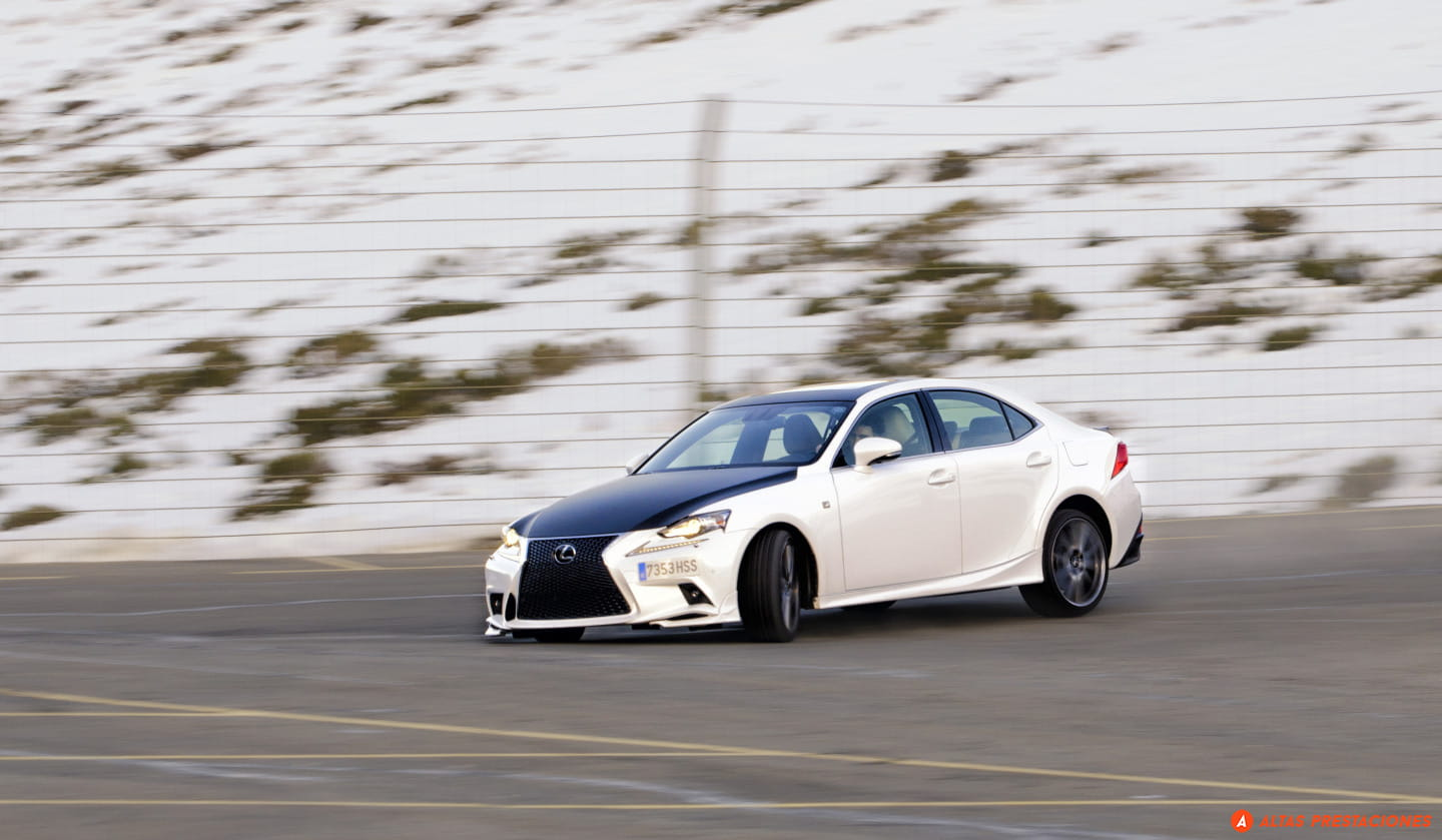Lexus_IS_25_aniversario_TRD_2015_DM_mapdm_7