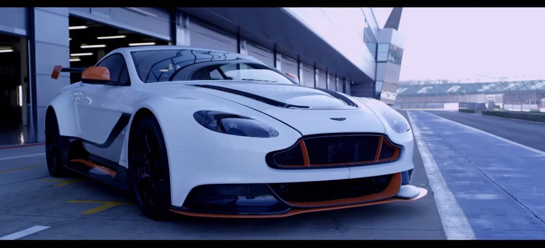 El Aston Martin Vantage GT12 se presenta, rugiendo, haciendo ruido, en vídeo