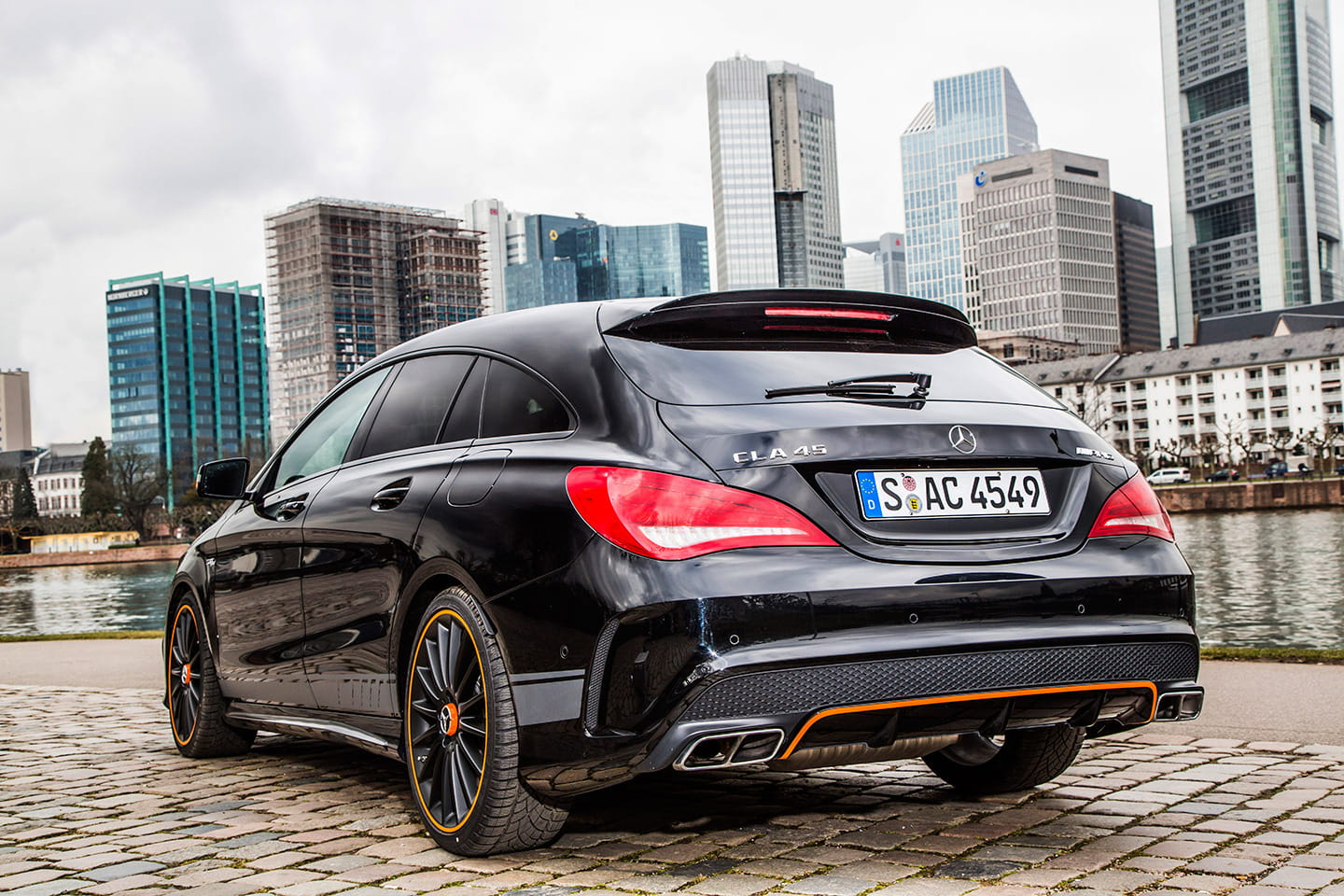 mercedes cla 45 amg shooting brake a prueba a alguien le. Black Bedroom Furniture Sets. Home Design Ideas