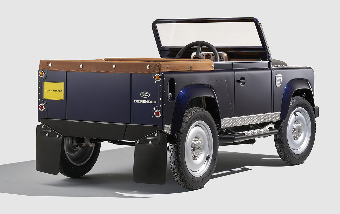 land-rover-defender-pedales-05
