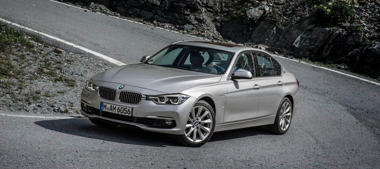 BMW 330e: potencia híbrida (y enchufable) para el BMW Serie 3 desde 45.300 euros