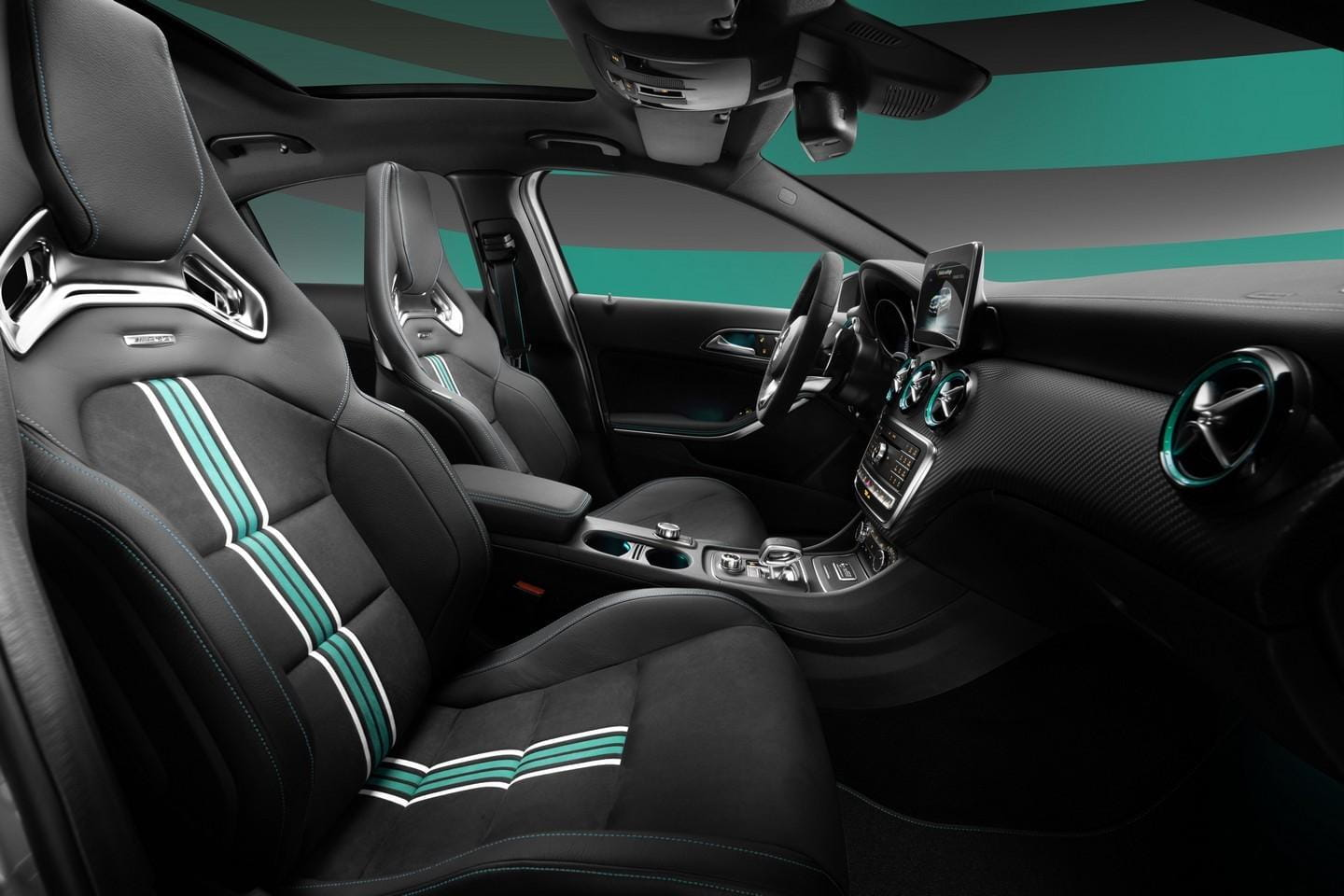Mercedes_A45_AMG_petronas_2015_special_Edition_3
