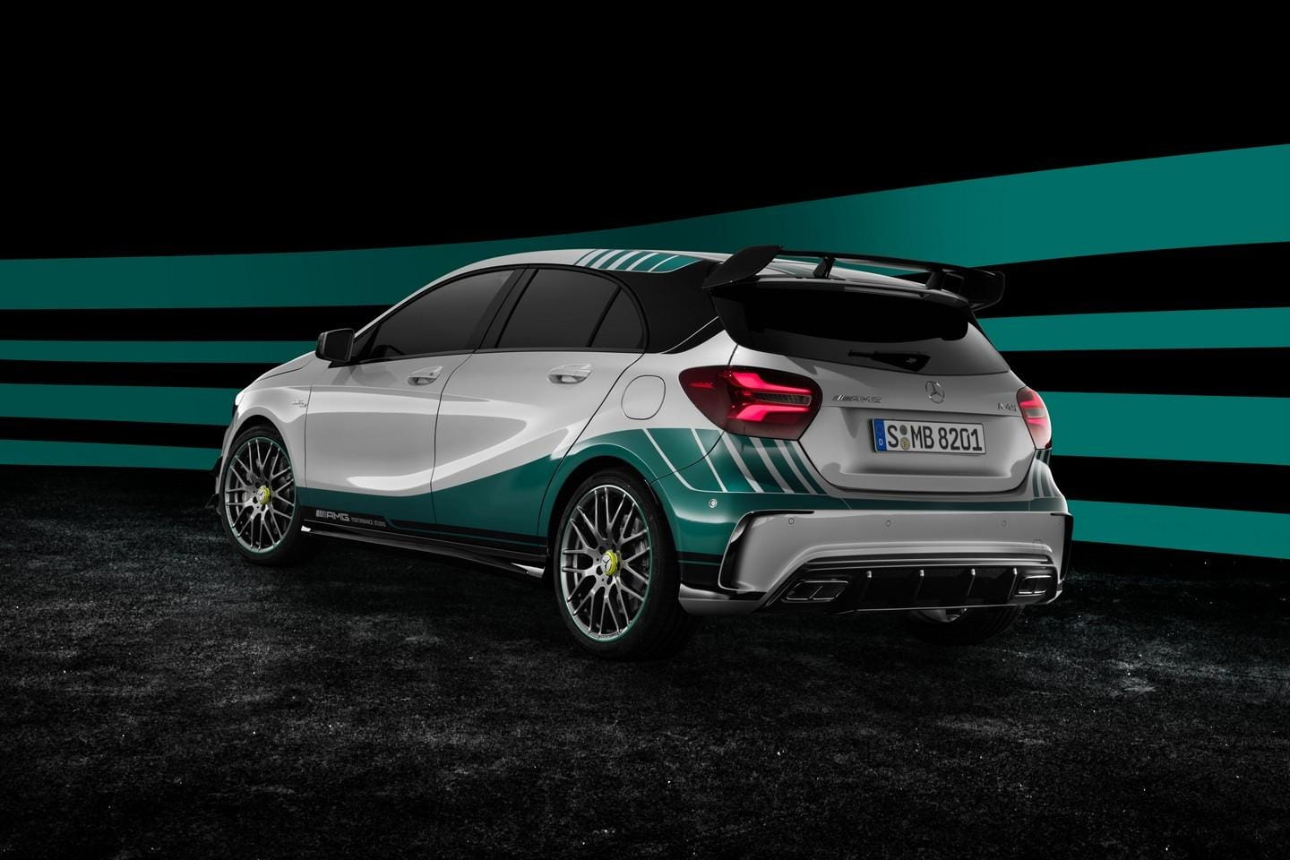 Mercedes_A45_AMG_petronas_2015_special_Edition_4
