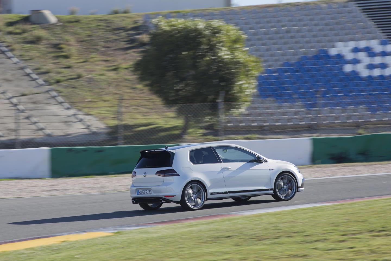 Volkswagen_Golf_Clubsport_claves_DM_2015_41