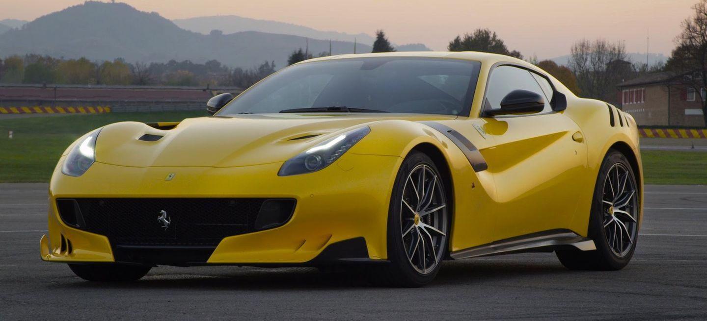 ¡A fuego! No te pierdas la primera prueba en vídeo del Ferrari F12tdf, el V12 más radical del planeta