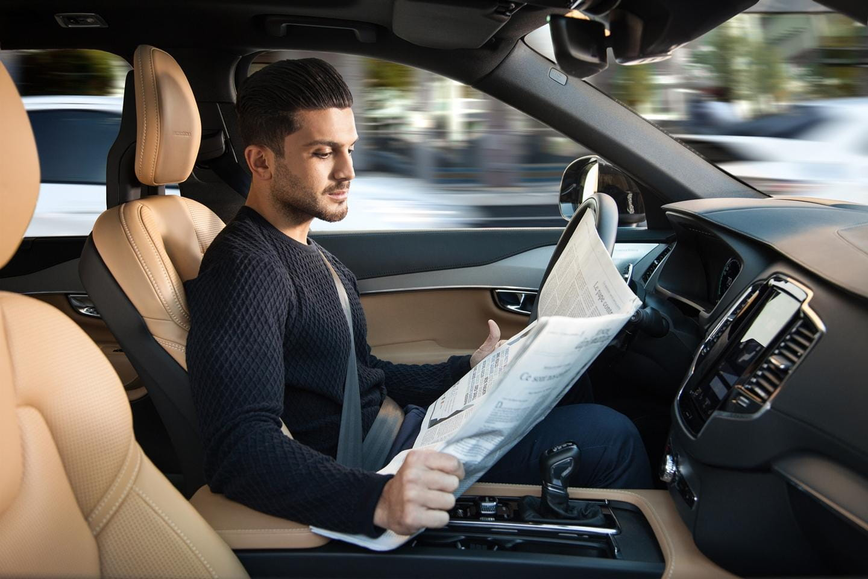 Volvo_autonomous_driving-1115-00