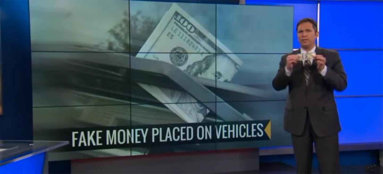¿Es peligroso bajarse a recoger el billete que alguien nos ha dejado en el parabrisas del coche?