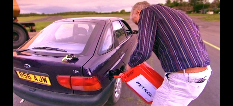 Vídeo: ¿Qué sucede si me equivoco y pongo gasolina en un diésel? ¿Y gasóleo en un gasolina? Fifth Gear tiene la respuesta