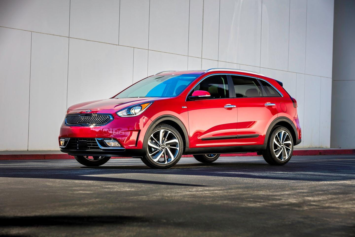 kia niro el primer h brido dedicado en forma de crossover en 4 claves diariomotor. Black Bedroom Furniture Sets. Home Design Ideas