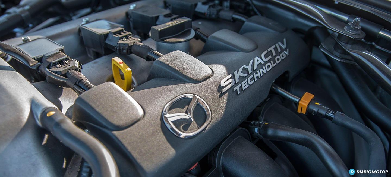 5 labores de mantenimiento sencillas que todo el mundo debería saber hacer a su coche