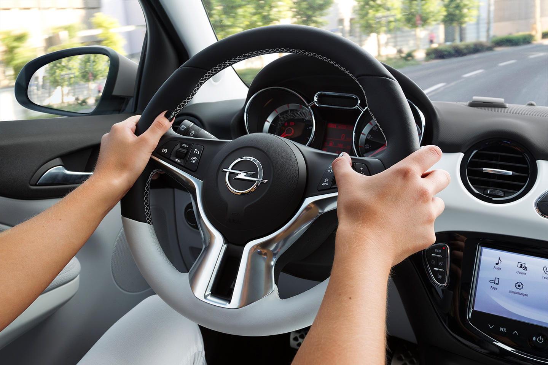 u00bfdeber u00edan poder conducir las mujeres  aunque parezca