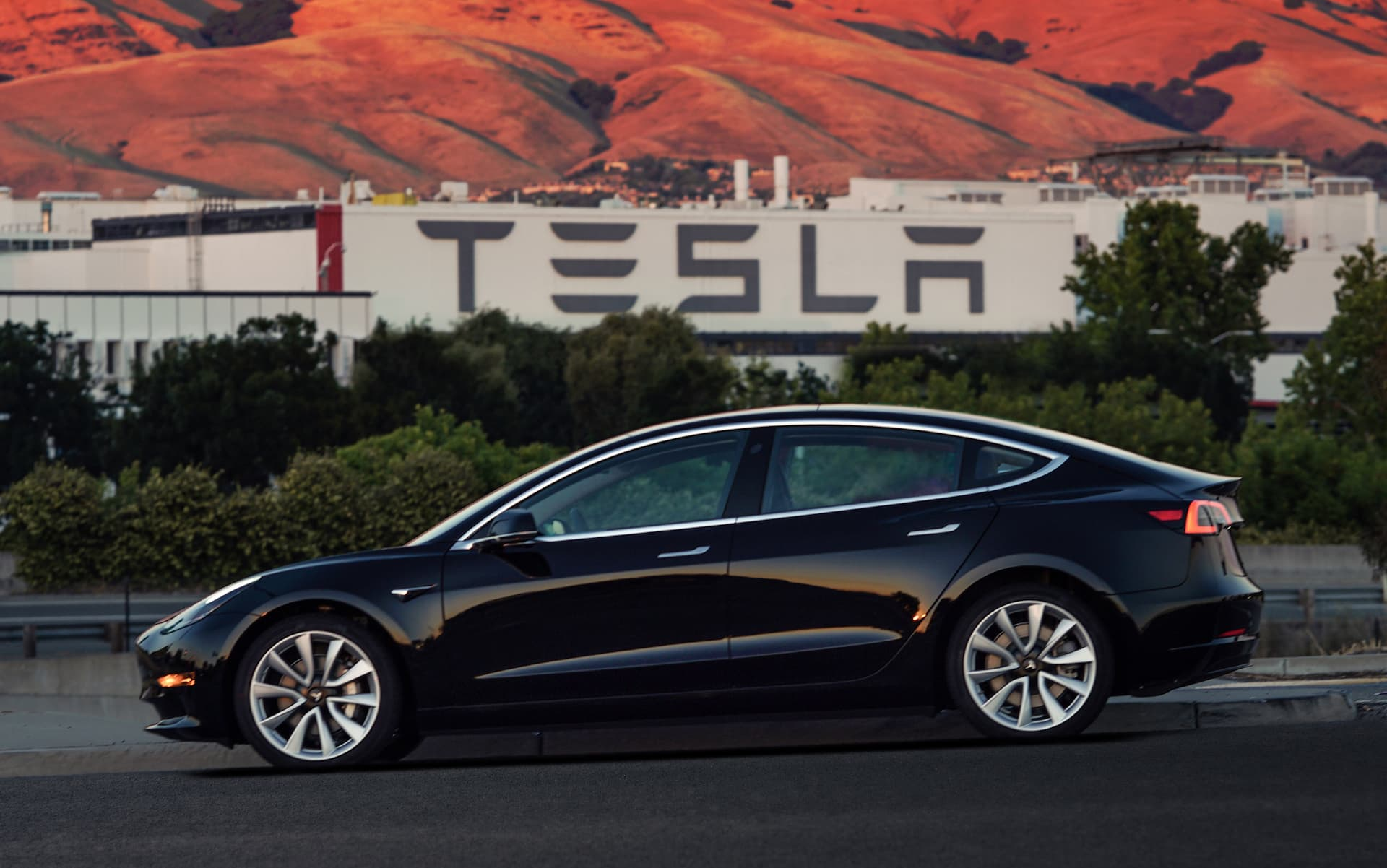 Tesla Model 3 05