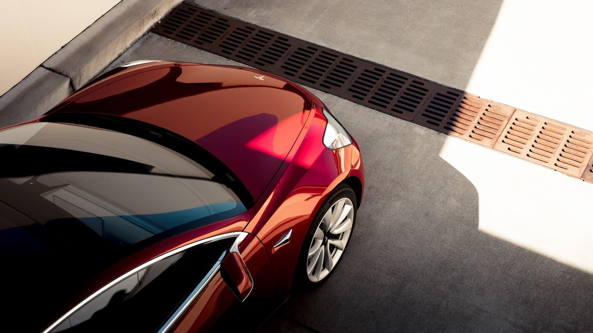 Tesla Model 3 09
