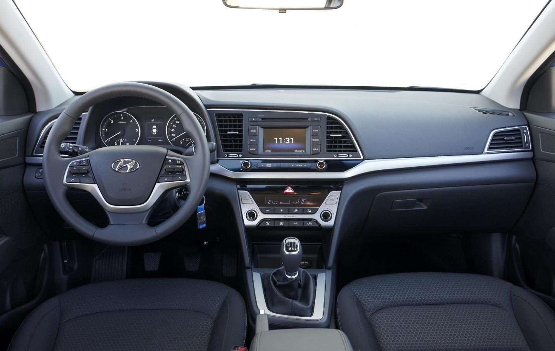 2017 Elantra Se >> Hyundai Elantra 2016, todos los detalles: una alternativa a valorar si vas a comprar un SEAT ...