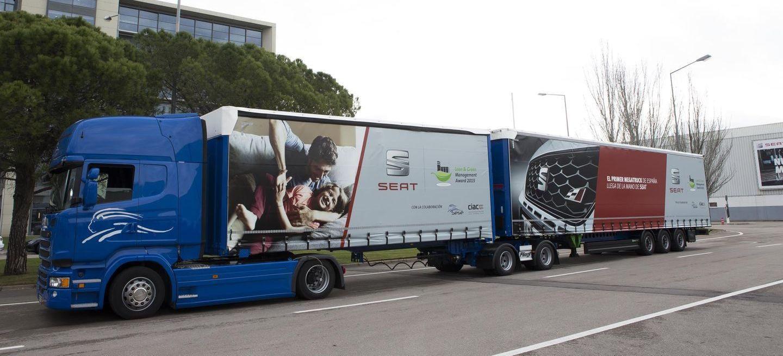 El primer megatruck de 25,25 metros y 60 toneladas ya rueda con éxito en nuestras carreteras