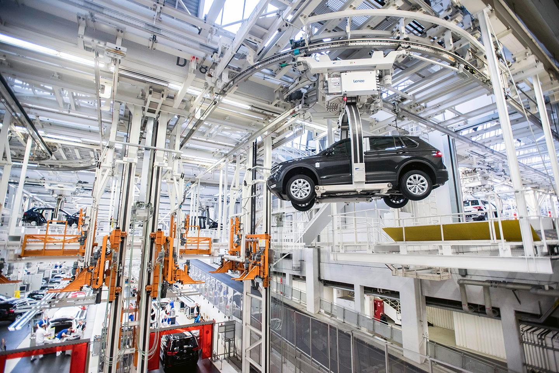As se fabrica el nuevo volkswagen tiguan en wolfsburgo for Fabrica de placares en montevideo